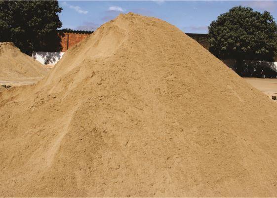 Areia Amarela Média a Granel 5m³ Três Coroas